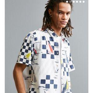 UO Yacht Race Short Sleeve Button-Down Shirt Large